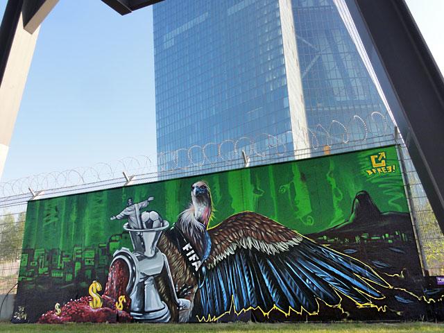 B-FREE-GRAFFITI-FRANKFURT-FIFA-BRASILIEN-2