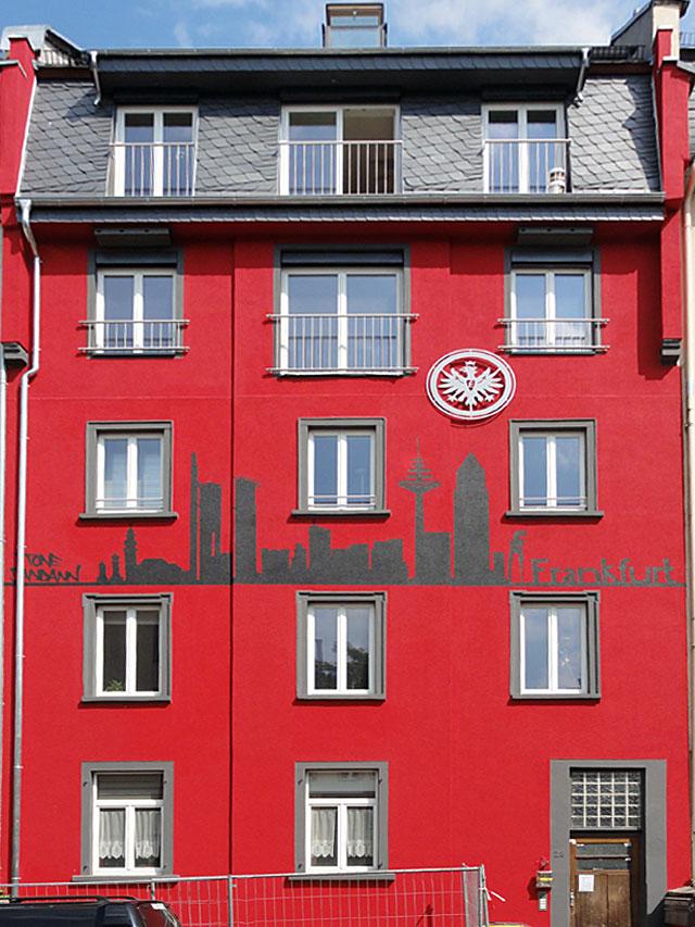 EINTRACHT-FRANKFURT-HAUS-IN-FRANKFURT-BORNHEIM-1
