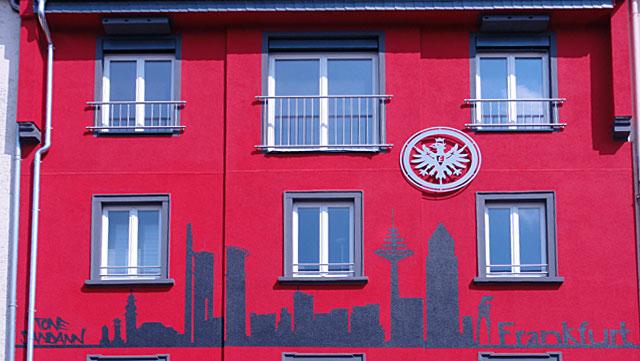 EINTRACHT-FRANKFURT-HAUS-IN-FRANKFURT-BORNHEIM-3