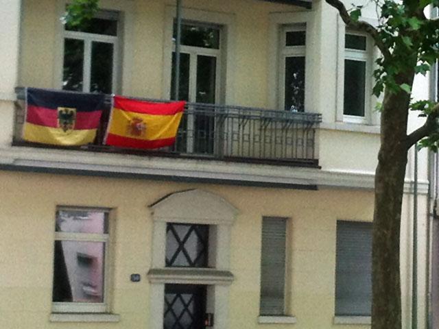 WM-2014-FAHNEN-IN-FRANKFURT-DEUTSCHLAND-UND-SPANIEN