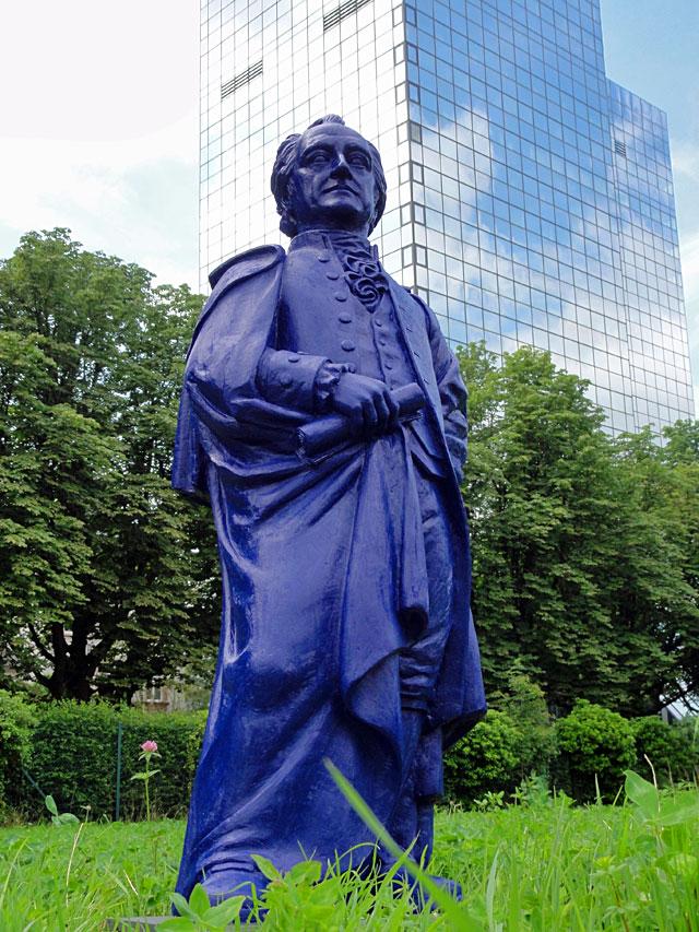 goethe-skulptur-uni-frankfurt-campus-westend-01