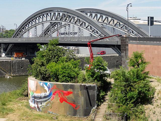 graffiti-entfernung-frankfurt-graffiti-case-maclaim
