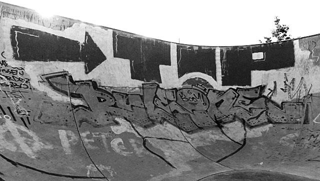 """Schwarz-weiss-Foto vom """"Concrete Jungle"""" beim Hafenpark in Frankfurt -Foto 14"""