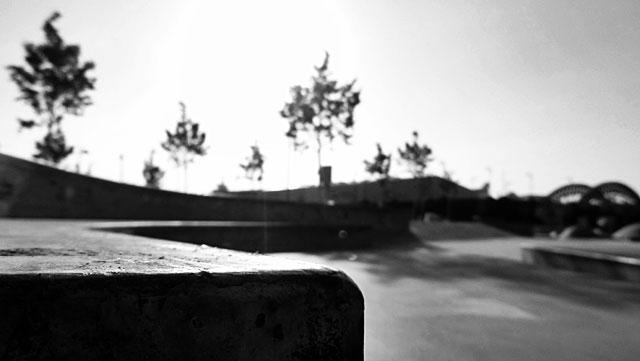 """Schwarz-weiss-Foto vom """"Concrete Jungle"""" beim Hafenpark in Frankfurt -Foto 09"""