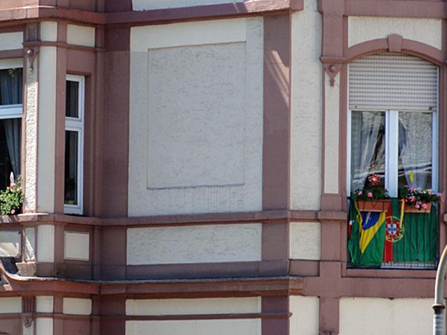 wm-2014-fahnen-in-frankfurt-brasilien-und-portugal