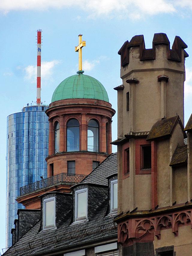 FRANKFURT-FOTOS-FRANKFURT-ALTSTADT-UND-MODERNE-ARCHITEKTUR-copyright-stadtkindfrankfurt