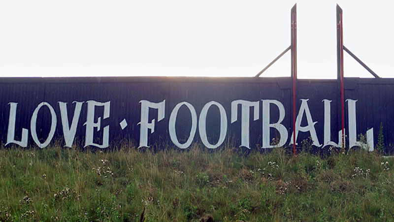 LOVE FOOTBALL HATE RACISM GRAFFITI IN FRANKFURT BY FRANKFURTER FANPROJEKT