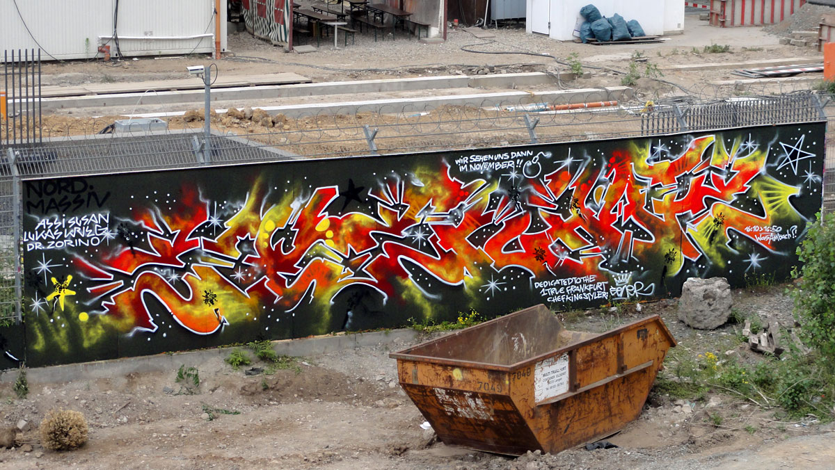 Graffiti in Frankfurt - Freiluftgalerie am Bauzaun der EZB / Nordmassiv