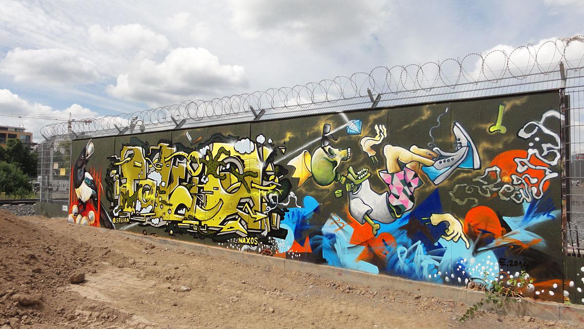 Graffiti in Frankfurt - Freiluftgalerie am Bauzaun der EZB / Tokio