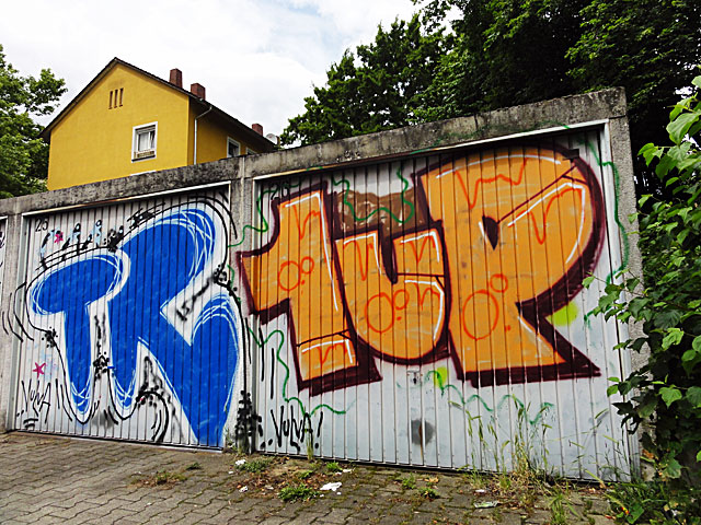graffiti-frankfurt-tr-1up-garagen