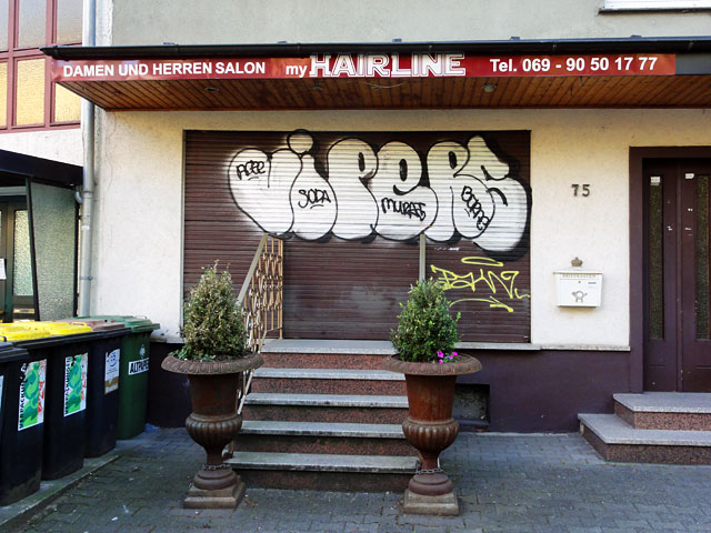 Shutter Art & Garage Door Graffiti in Frankfurt
