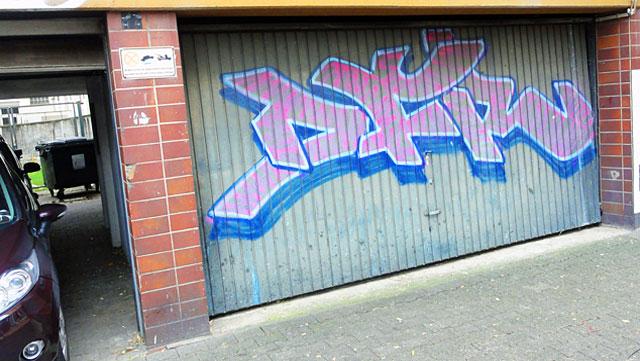 Shutter Art & Garage Door Graffiti in Frankfurt