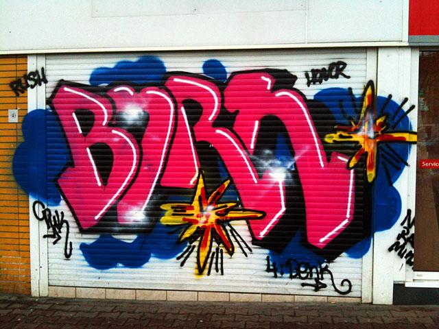 Shutter Art & Garage Door Graffiti in Frankfurt - BORN