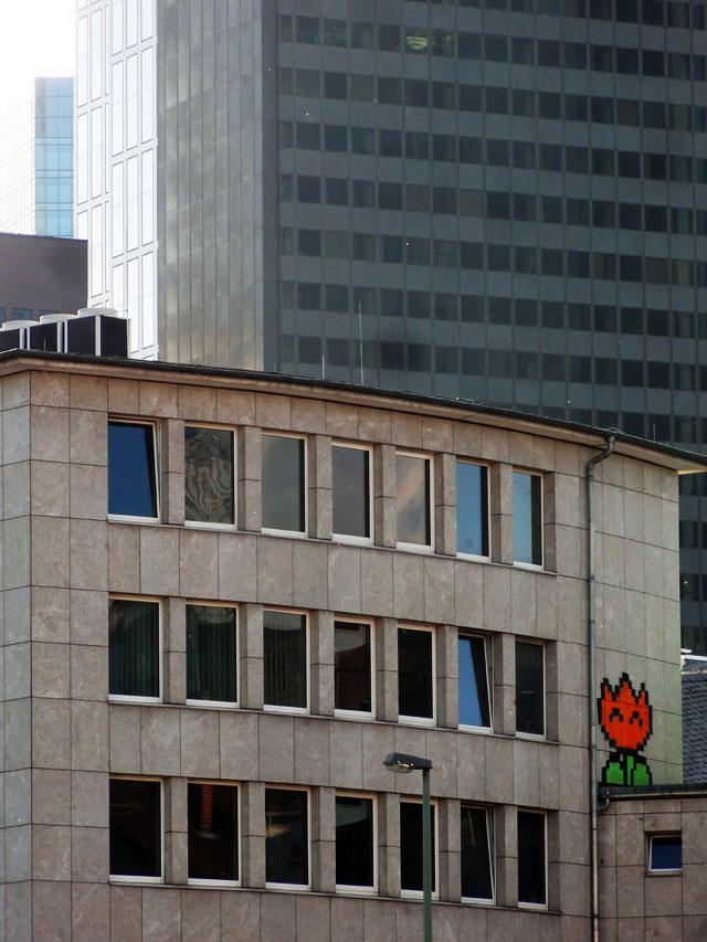frankfurt-graffiti-feuerblume-nintendo-slc-foto-01