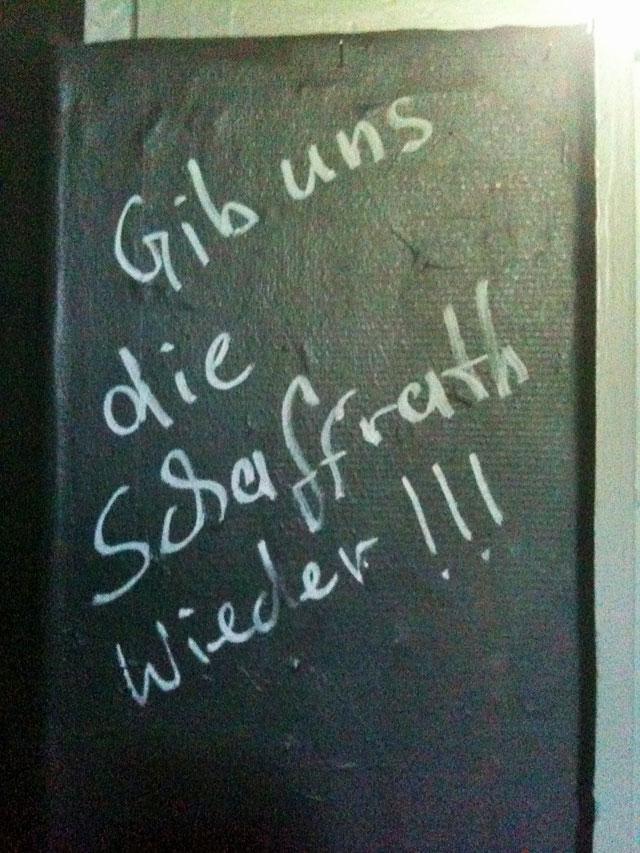 WC-Spruch in Frankfurt: Gib uns die Schaffrath wieder!!!