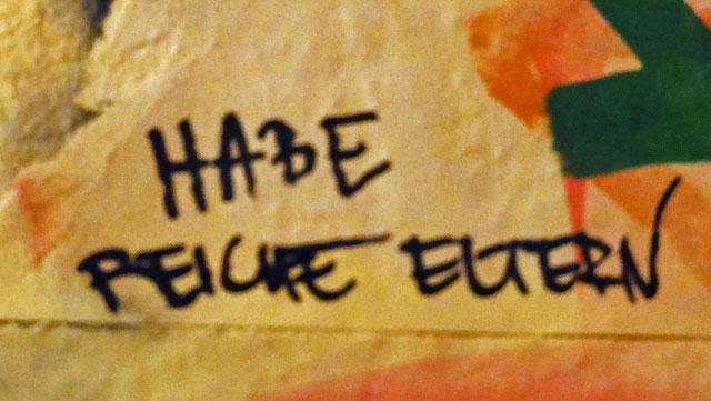 WC-Spruch in Frankfurt: Habe reiche Eltern
