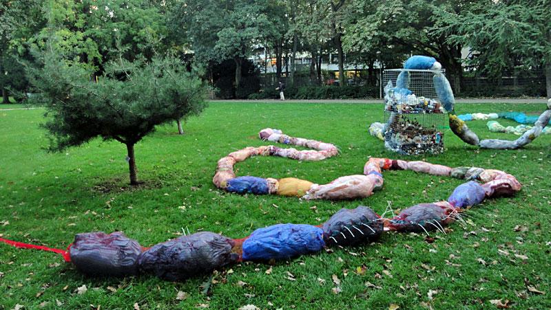 Stadtlabor unterwegs in den Wallanlagen – SkulpturMüllSkulptur