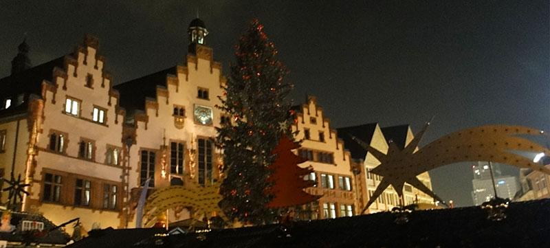 Frankfurter Weihnachtsmarkt 2014, einige Tage vor der Eröffnung.