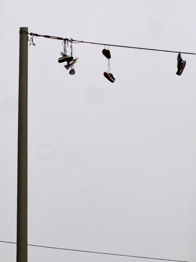 Shoefiti - Bilder der Stadt (10/2014), Frankfurt am Main