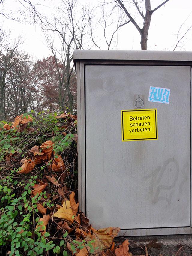 Streetart & Graffiti in Frankfurt am Main - BETRETEN SCHAUEN VERBOTEN, Zola, 12!