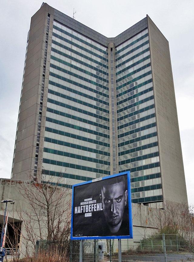 Russisch Roulette meets Deutsche Architektur.