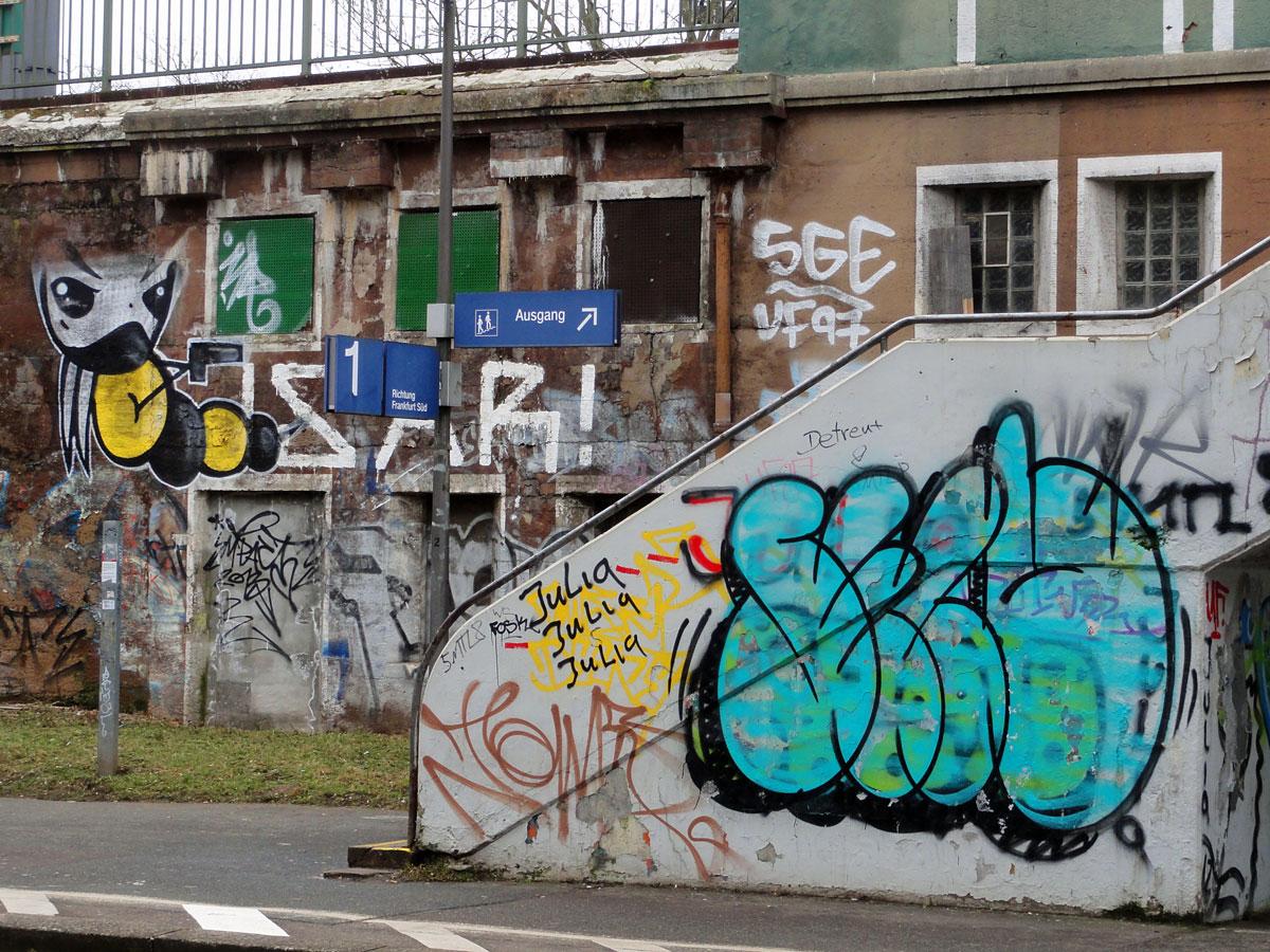 Street Art & Graffiti in Frankfurt am Main (02/2015)