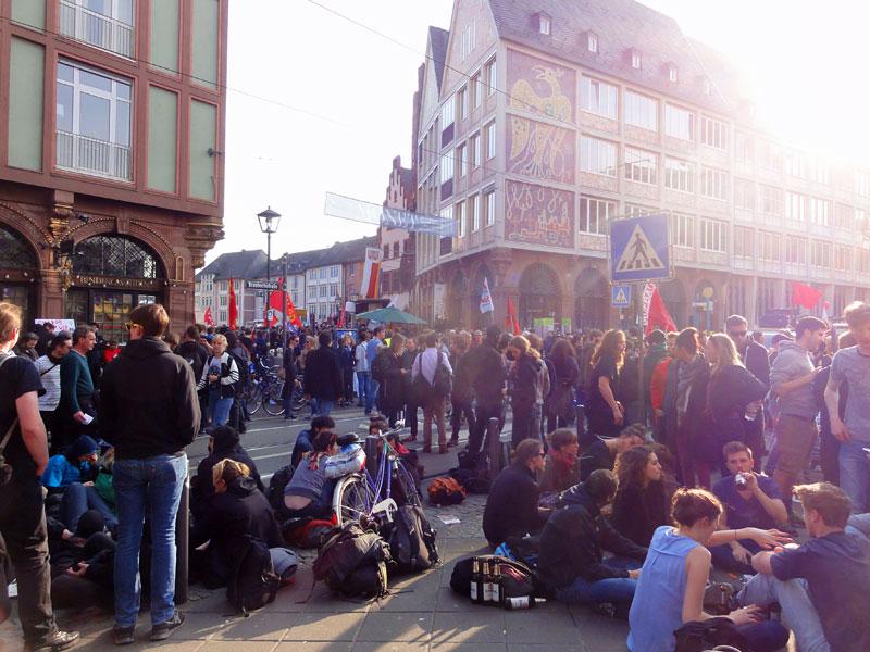 FRANKFURT BLOCKUPY 2015 - RUND UM DIE KUNDGEBUNG