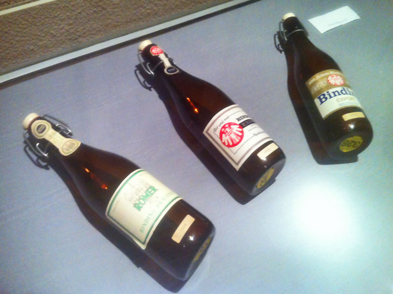 BINDING BIER FLASCHEN BEI DER WASSERHÄUSCHENAUSSTELLUNG IM MFK