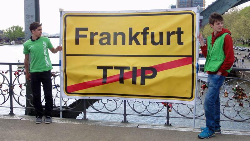 No-TTIP-Demo-in-Frankfurt-Foto-4