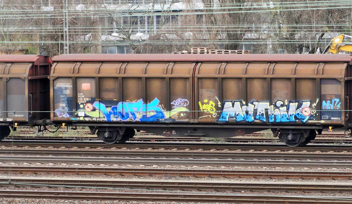 Graffiti an Zügen in Frankfurt