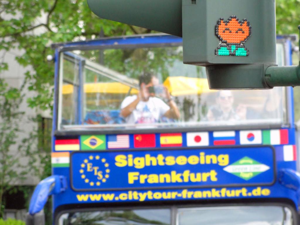 Street Art in Frankfurt - Sur l'eau Crew