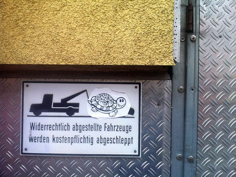 Widerrechtlich angebrachte Streetart