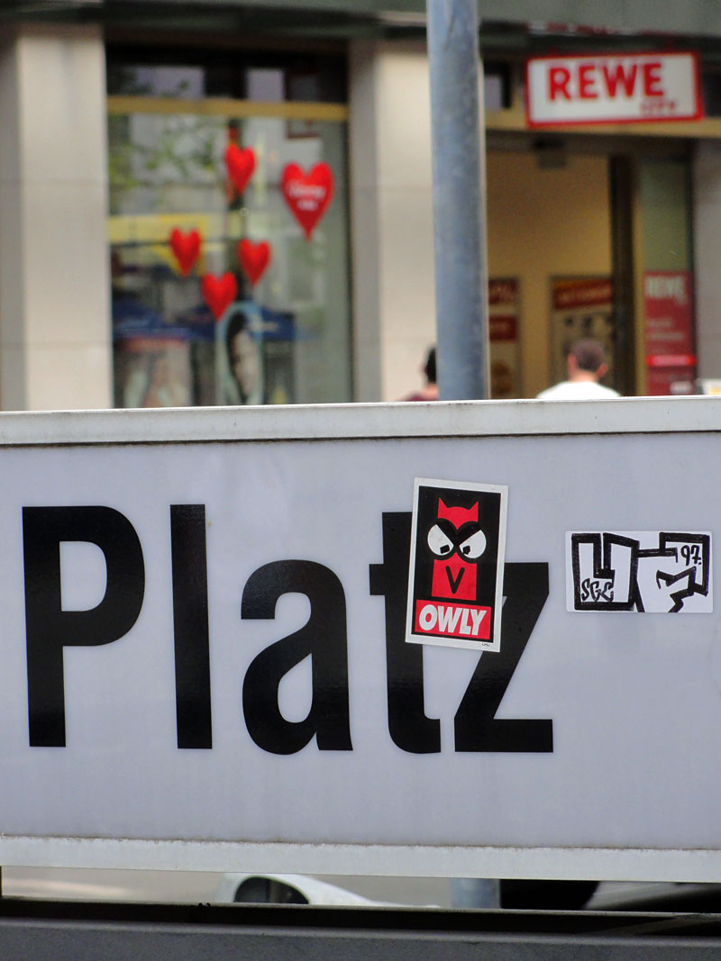 Streetart in Frankfurt : OWLY