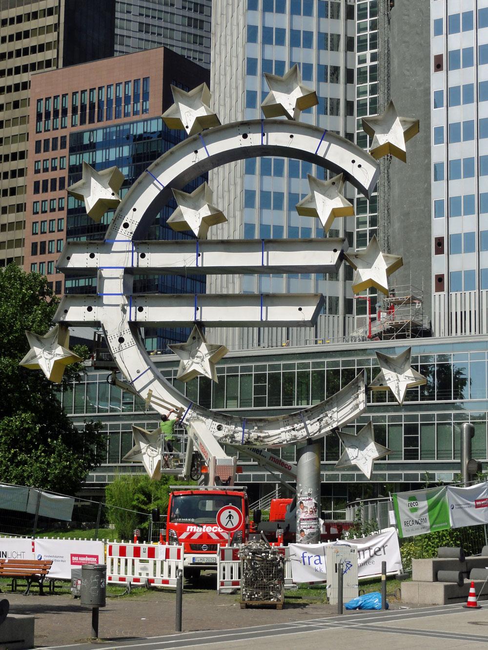 EURO SKULPTUR IN FRANKFURT WIRD RENOVIERT