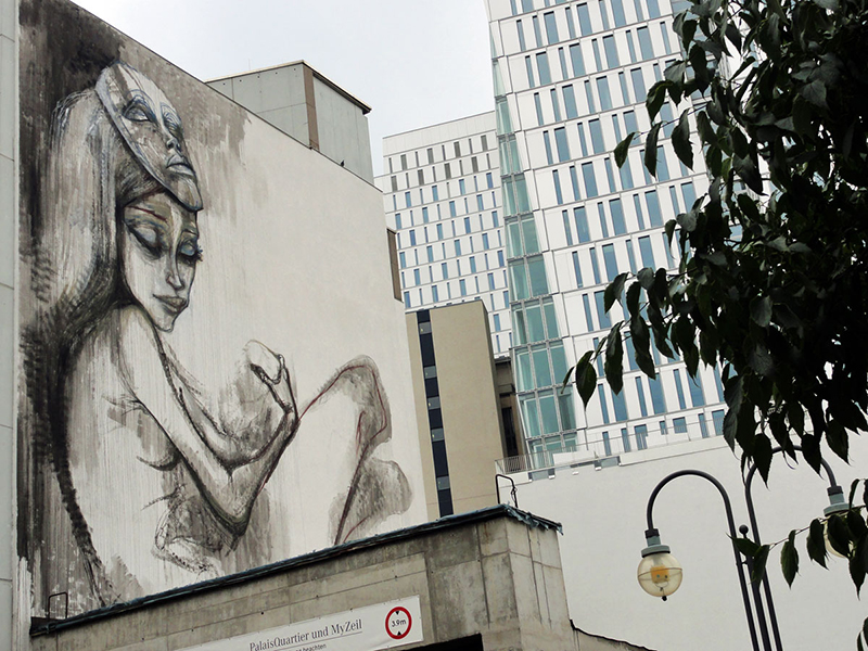 mural by herakut in frankfurt