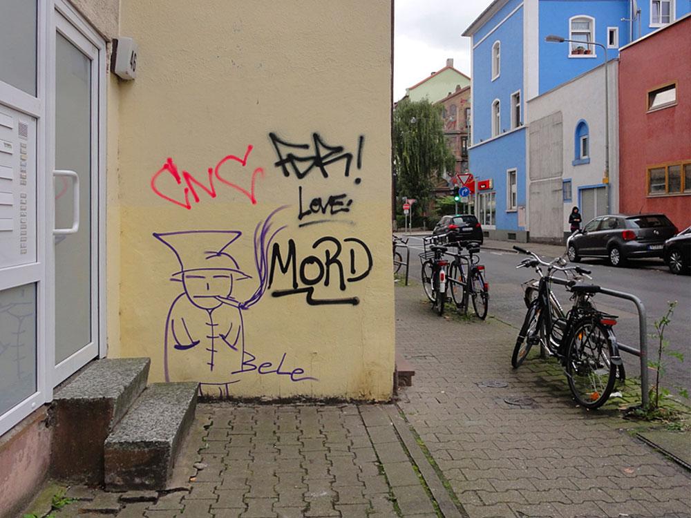 Streetart in Frankfurt-Bornheim von Bele, umgarnt von Tags wie Mord, CNC oder Love.