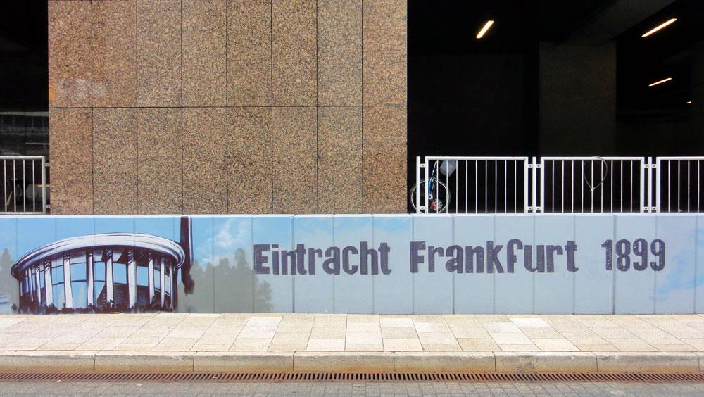Graffiti vom Bomber am Airport Frankfurt: Eintracht Frankfurt
