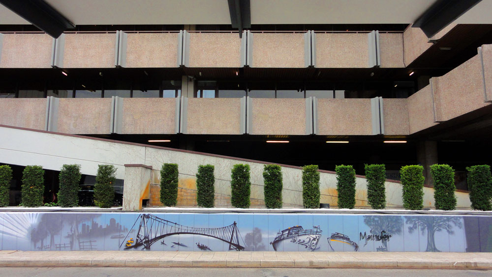 Graffiti vom Bomber am Airport Frankfurt: Mainufer