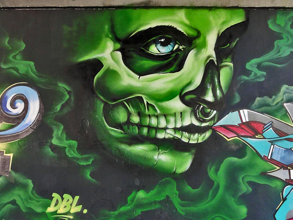 graffiti-freiluftgalerie-friedensbruecke-frankfurt