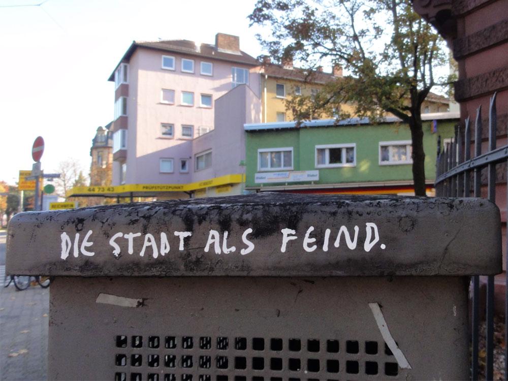 Streetart-Slogan in Frankfurt von Peng