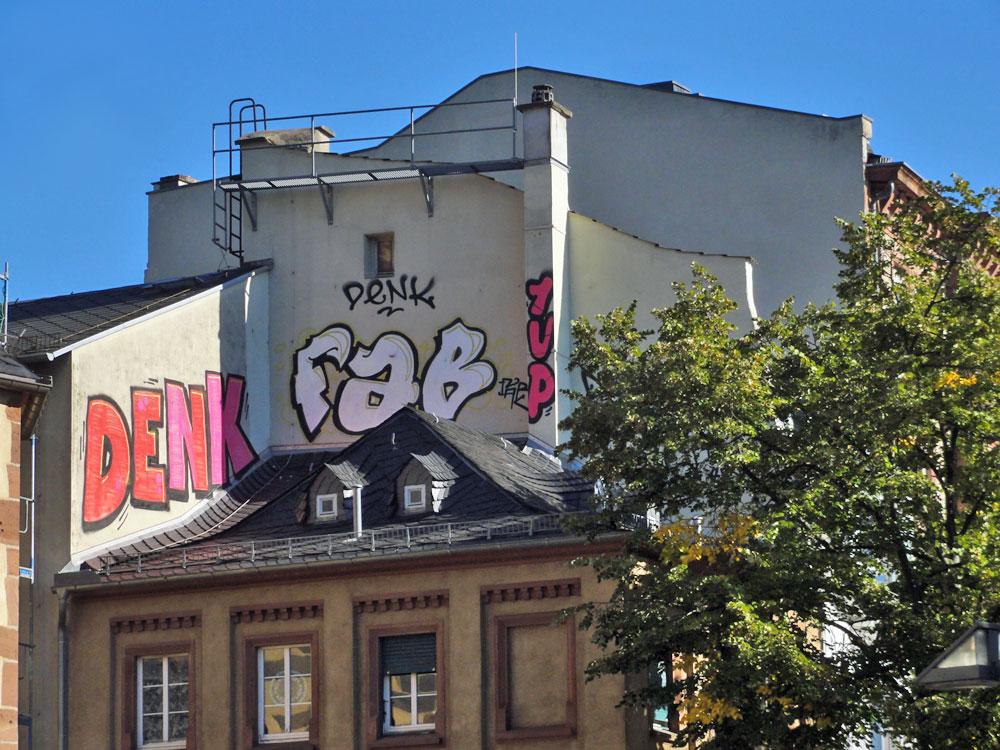 frankfurt-graffiti-rooftop-foto-denk-fab