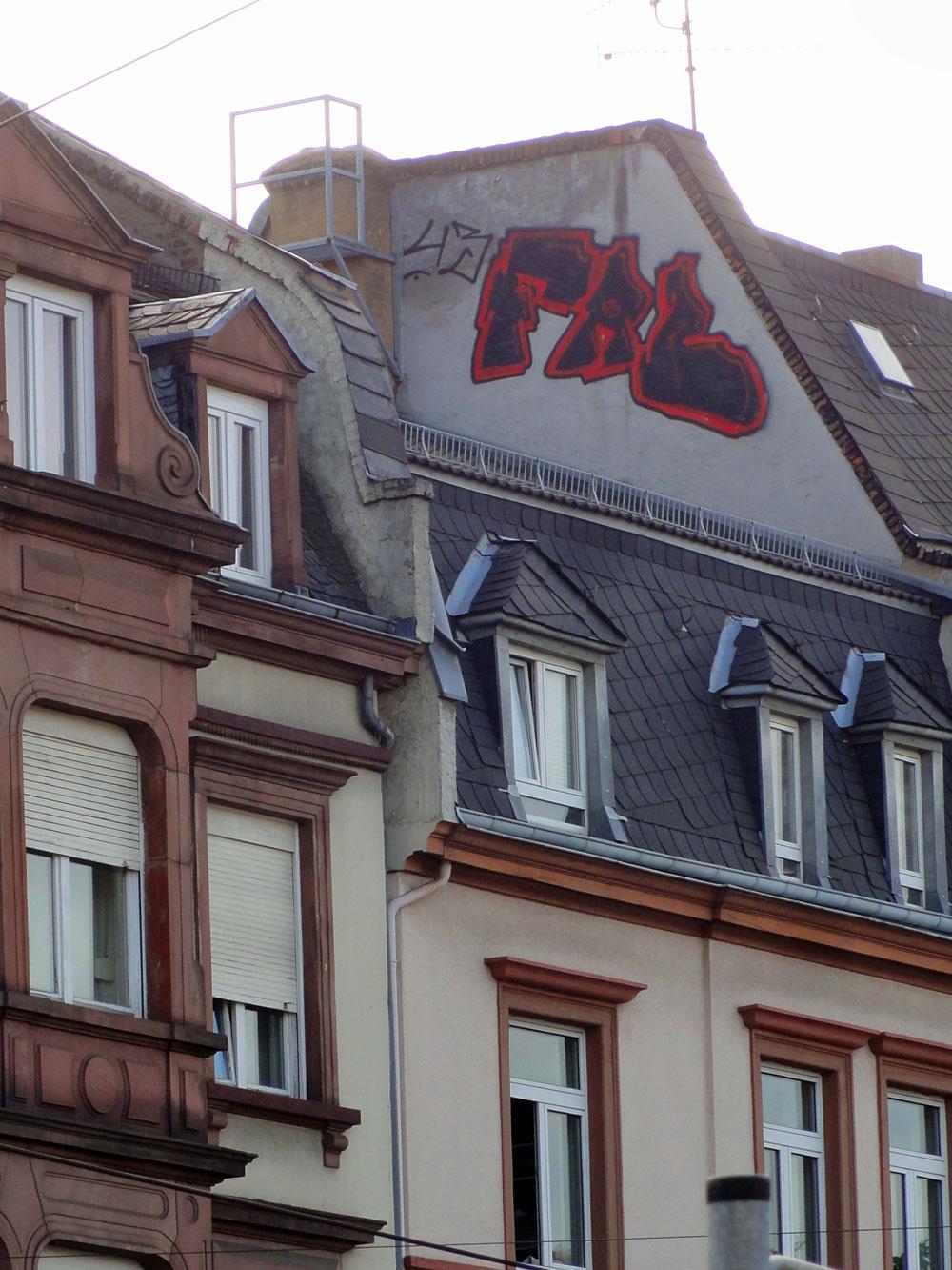 frankfurt-graffiti-rooftop-foto-fab