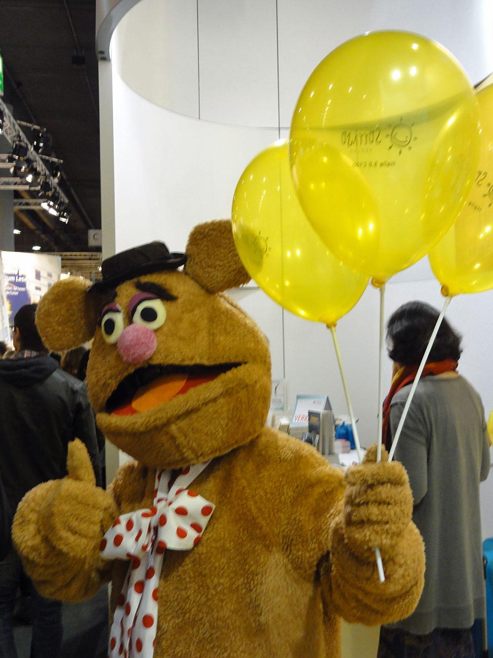 Fozzi Bär-Maskottchen auf der Frankfurter Buchmesse 2015