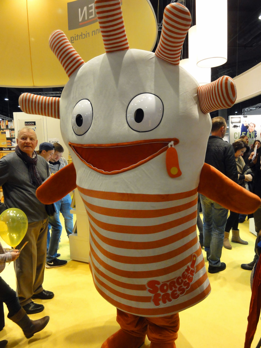 Sorgenfresser Saggo-Maskottchen auf der Frankfurter Buchmesse 2015