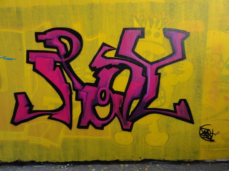 gelb-3-graffiti-hall-of-fame-frankfurt