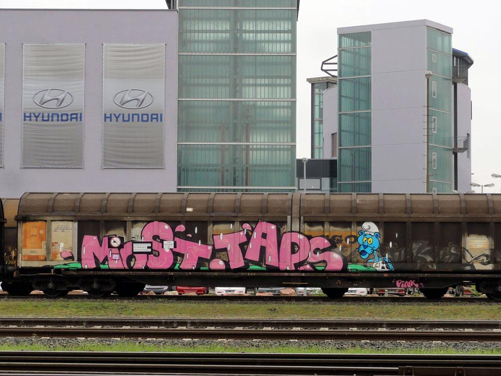 Graffiti auf Zügen in Frankfurt - MOST und TAPS