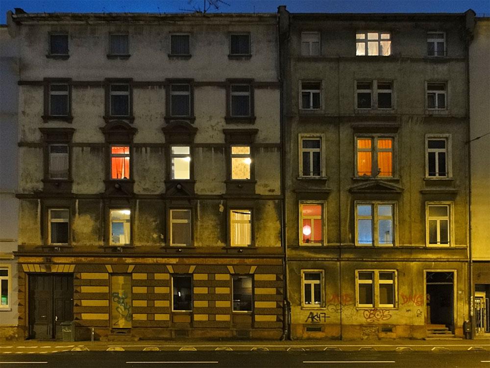 haeuserzeile-in-der-hoehenstrasse