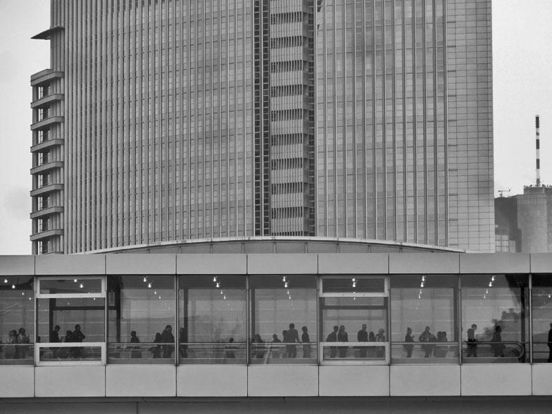 Messegelände und Besucher in Zeiten der Frankfurter Buchmesse 2015