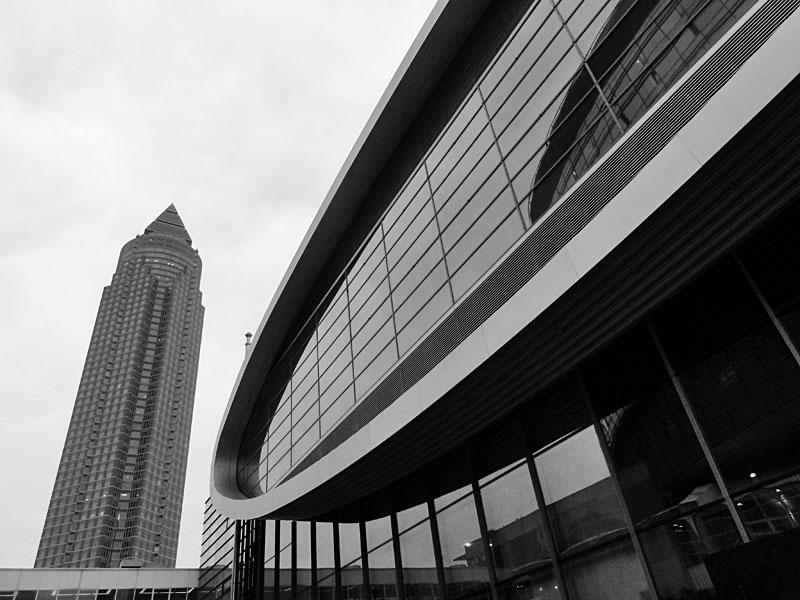 Messeturm und Messegelände zur Frankfurter Buchmesse 2015