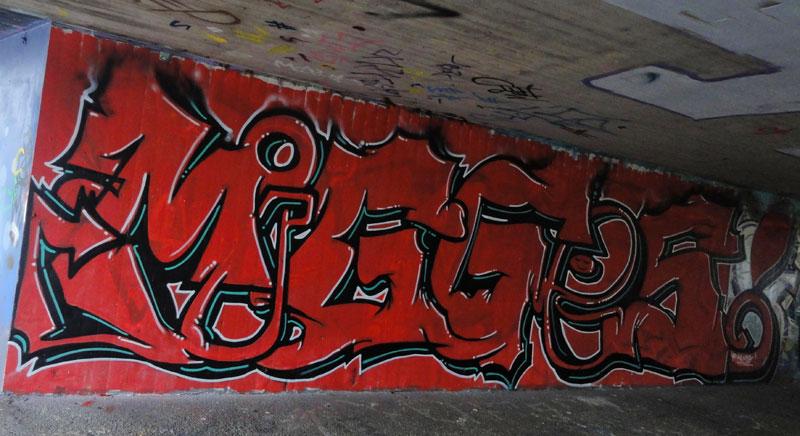 red-graffiti-hall-of-fame-frankfurt
